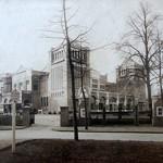 Concertgebouw De Vereeniging, het magnum opus van Oscar en Henri Leeuw, waarbij Oscar de architectuur en Henri de decoratie verzorgde. Kort na de oplevering in 1915. Foto: part. coll.